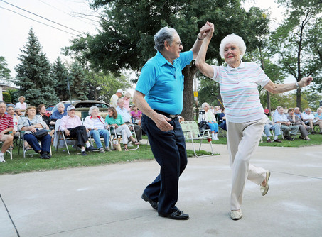 Dancing Seniors - Baile de ancianos